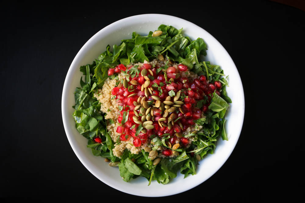 Arugula and Quinoa Salad with Pomegranate and Pumpkin Seeds - The Clean Gourmet